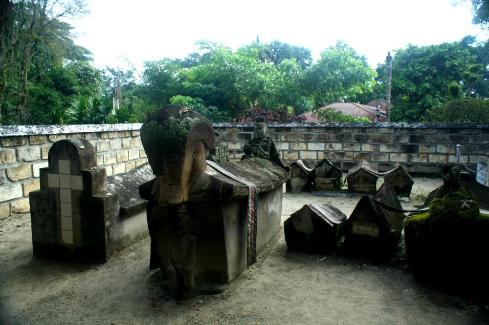 King Sidabutar Tombs